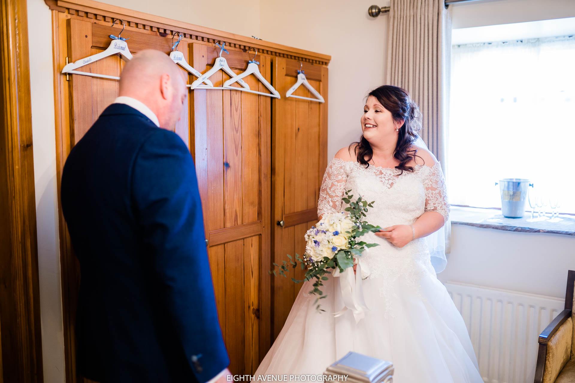 bride seeing dad